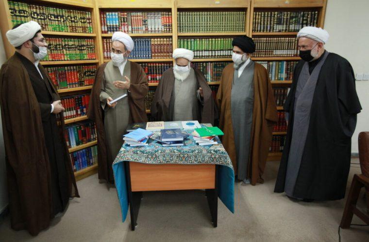 رونمایی کتب موسسه آوای توحید با حضور آیت الله اعرافی
